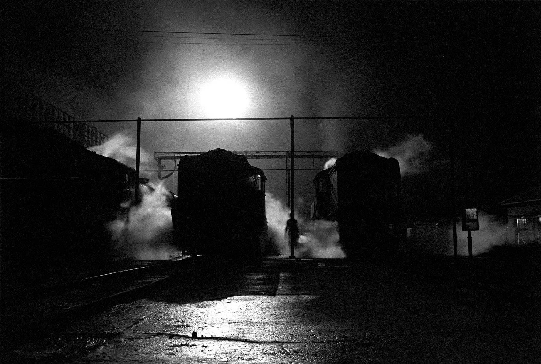Zimbabwe, Bulawayo. 1986. The National Railways of Zimbabwe (NRZ) workshop.